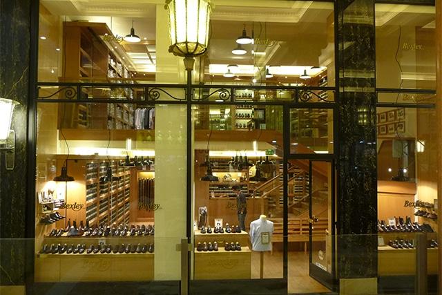 Boutique Bexley Champs-Elysées vitrine